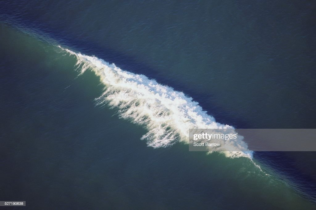 Waves on the ocean : Stock Photo