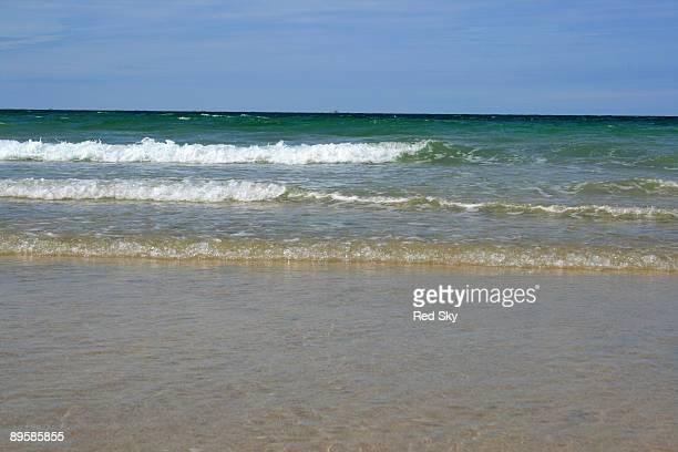 waves - グイチアン ストックフォトと画像