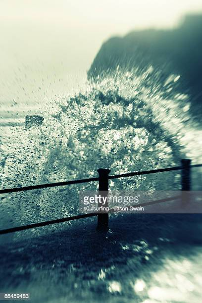 waves splash - s0ulsurfing stock pictures, royalty-free photos & images