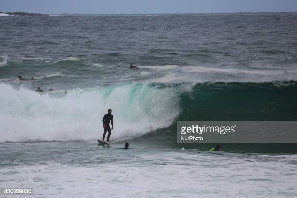 Waves up to 4 meters in Rio de Janeiro Brazil on 11th August 2017 The Brazilian Navy warned about the possibility of waves up to 4 meters high on the...
