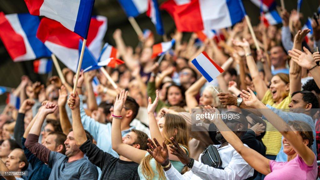 Agitant des drapeaux Français : Photo
