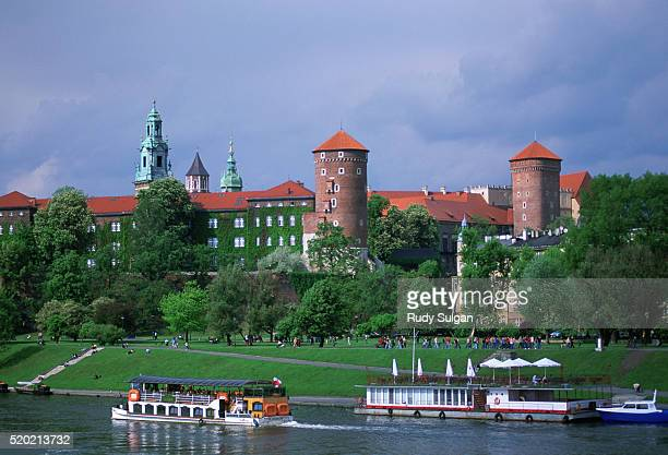 wawel castle - wawel cathedral stock pictures, royalty-free photos & images