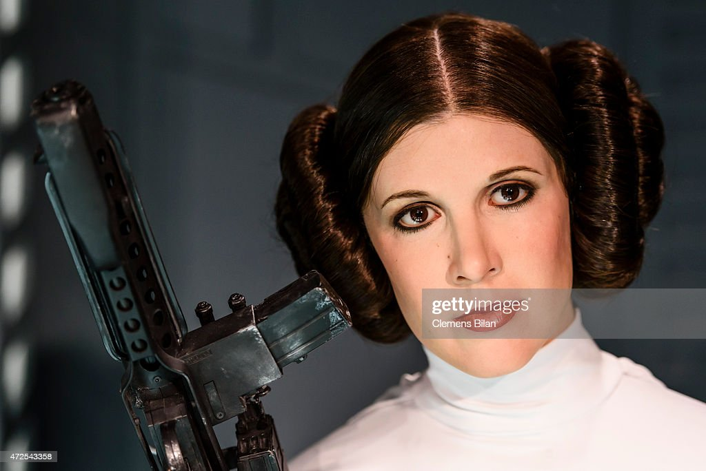 https://media.gettyimages.com/photos/wax-figure-of-the-actress-carrie-fisher-as-the-star-wars-character-picture-id472543358?k=6&m=472543358&s=612x612&w=0&h=NBK_249z39_6JLAmpLyN4dHnvQ6zWMFBovk8W3fKvQE=
