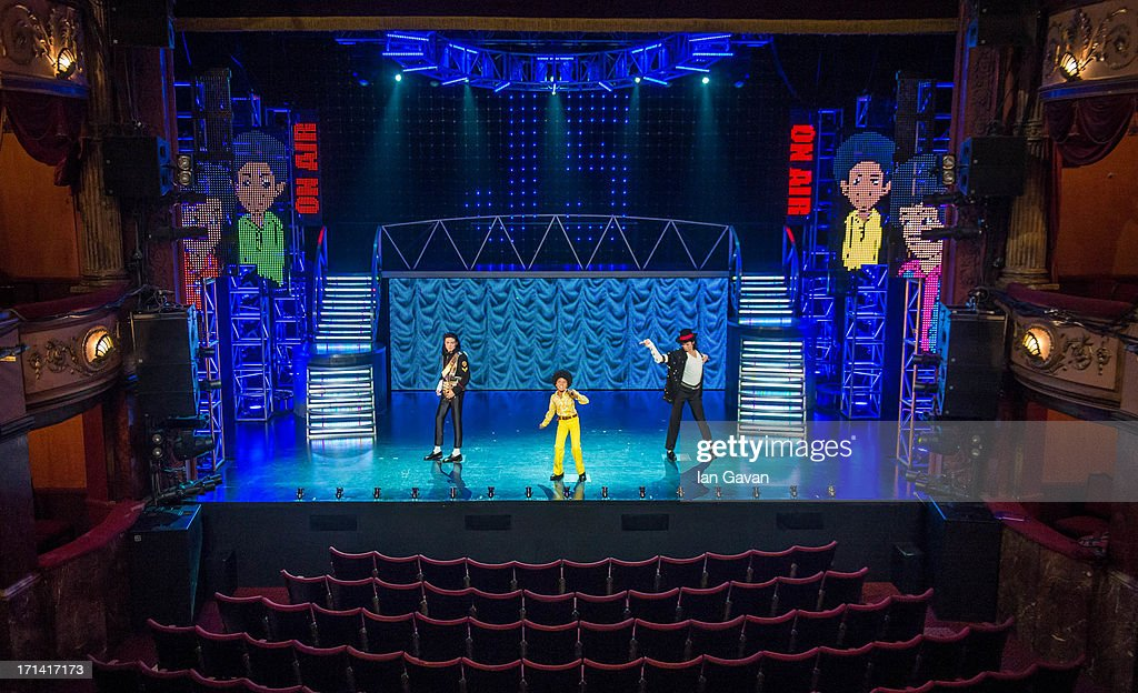 Lyric lyric theatre london : Madame Tussauds Unveil 3 Michael Jackson Waxworks Photos and ...