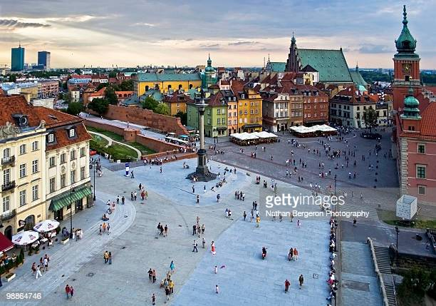 way up in warsaw - castle square stock pictures, royalty-free photos & images