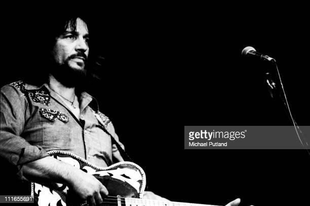 Waylon Jennings performs on stgae New York April 1978