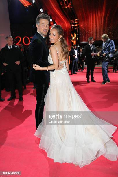 Wayne Carpendale and his wife Annemarie Carpendale during the Bambi Awards 2018 Arrivals at Stage Theater on November 16 2018 in Berlin Germany