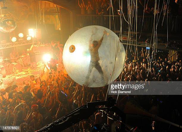 Wayne Coyne and The Flaming Lips perform on stage during the conclusion of the MTV, VH1, CMT & LOGO O Music Awards at the House of Blues on June 28,...
