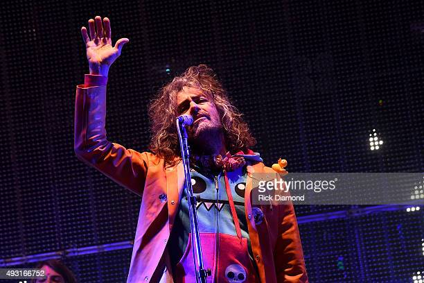 Wayne Coyne of The Flaming Lips performs on the SoundHarvest Main Stage during the Sound Harvest Music Festival on October 17 2015 in Nashville...