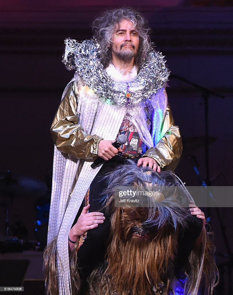 Wayne Coyne of The Flaming Lips performs onstage at Michael Dorf Presents - The Music of David Bowie at Carnegie Hall at Carnegie Hall on March 31, 2016 in New York City.