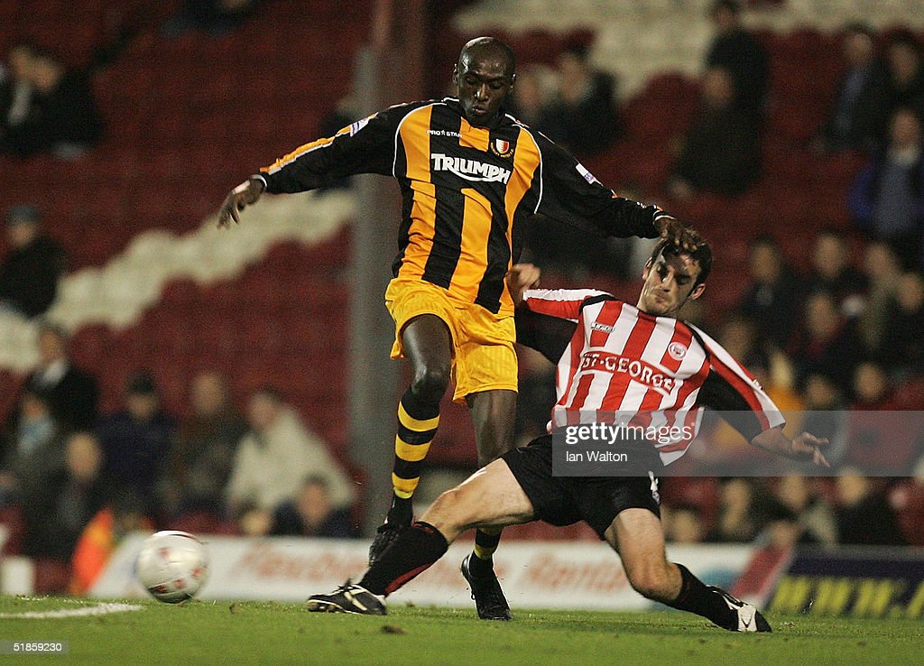 Brentford v Hinckley United : News Photo