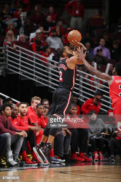 Wayne Ellington of the Miami Heat shoots the ball against the Chicago Bulls on November 26 2017 at the United Center in Chicago Illinois NOTE TO USER...