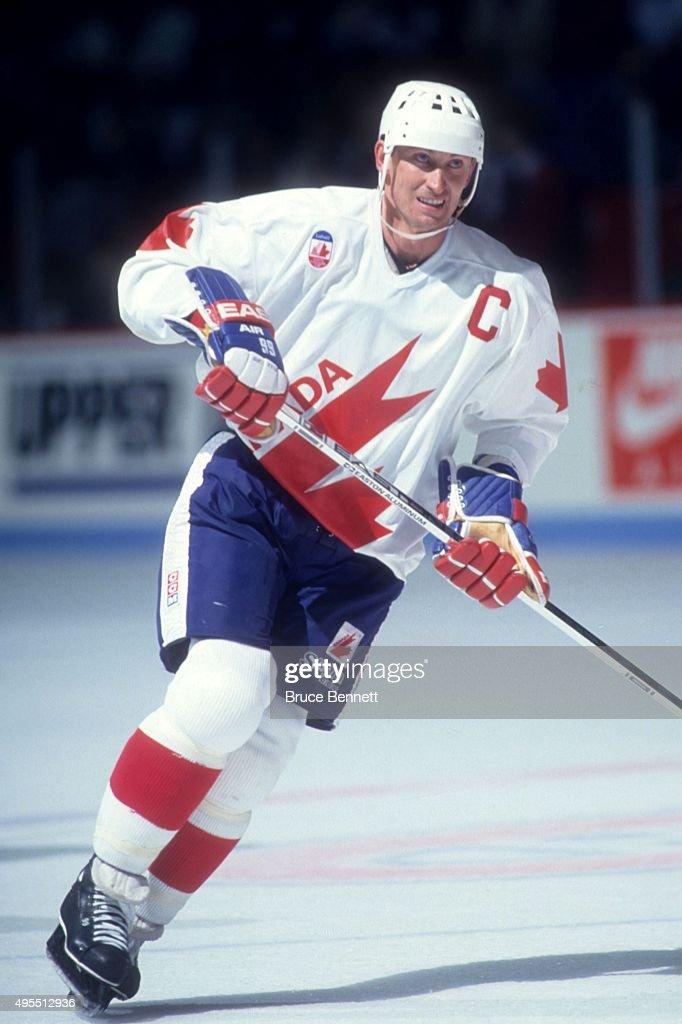 1991 Canada Cup Finals - Game 1: Canada v USA : News Photo