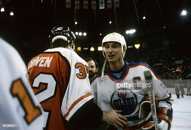 Wayne Gretzky of the Edmonton Oilers shakes hands with the Philadelphia Flyers after Game 7 of the 1987 Stanley Cup Finals on May 31 1987 at the...