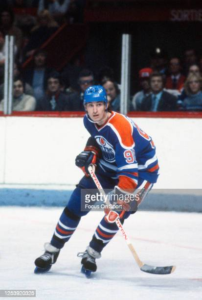 Wayne Gretzky of the Edmonton Oilers skates against the Montreal Canadiens during an NHL Hockey game circa 1984 at the Montreal Forum in Montreal,...