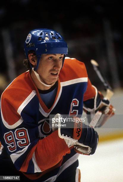Wayne Gretzky of the Edmonton Oilers skates on the ice during an NHL game against the New Jersey Devils on January 15, 1984 at the Brendan Byrne...