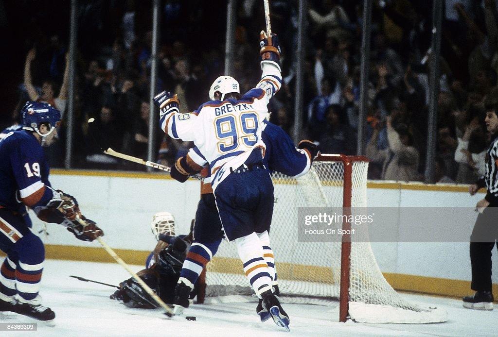 1984 Stanley Cup Finals: Edmonton Oilers v New York Islanders : News Photo