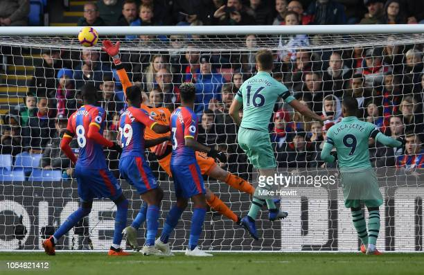 Wayne Hennessey of Crystal Palace fails to stop a free kick from Granit Xhaka of Arsenal for his side's first goal during the Premier League match...
