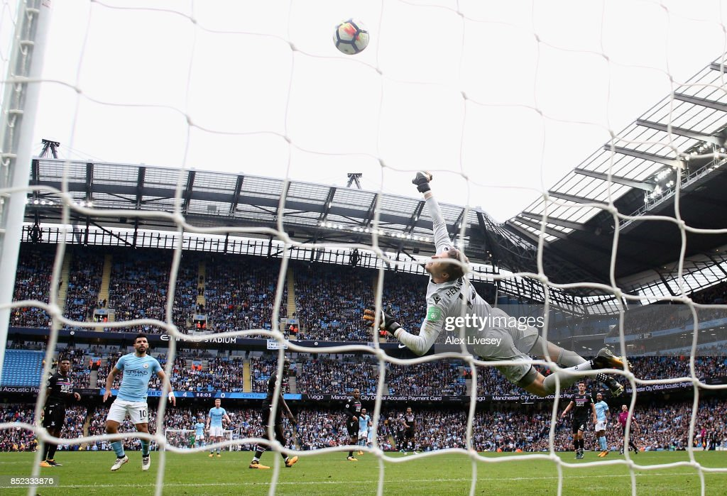 Wayne Hennessey of Crystal Palace fails to stop Fabian Delph of Mancheser City shot from going in for Manchester City fifth goal during the Premier League match between Manchester City and Crystal Palace at Etihad Stadium on September 23, 2017 in Manchester, England.