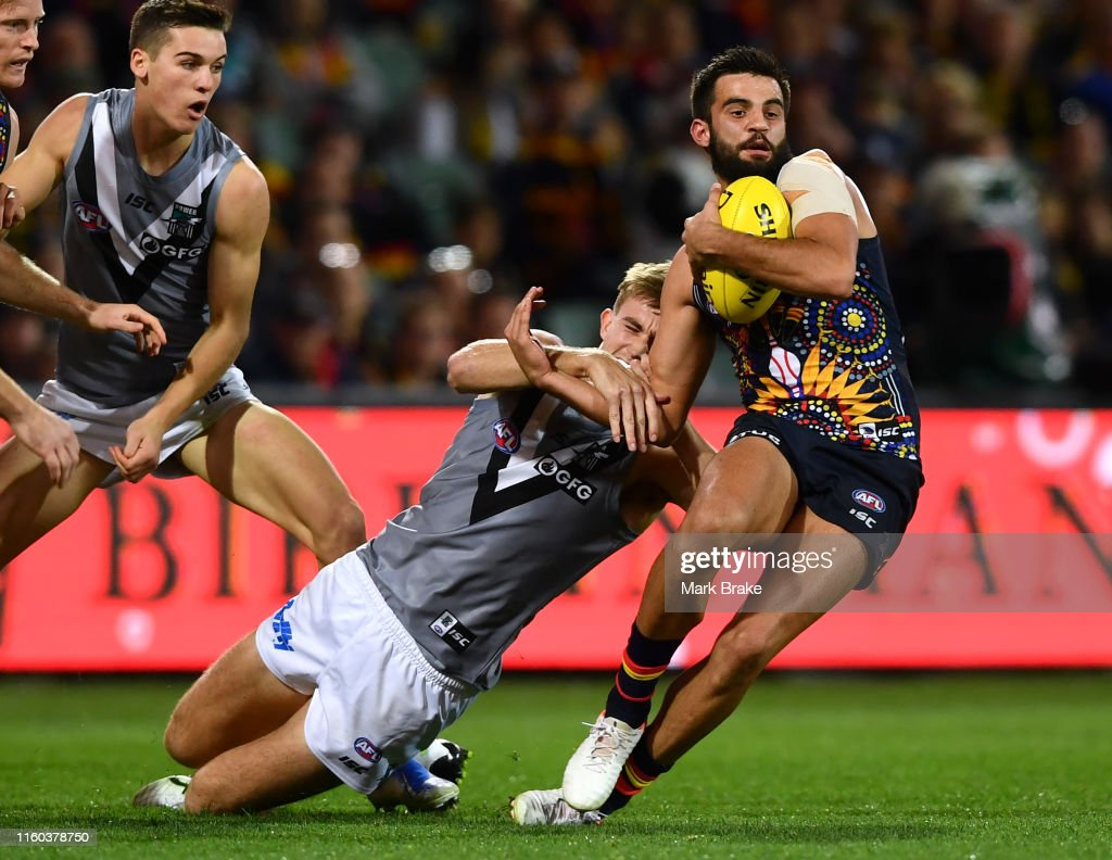 AFL Rd 16 - Adelaide v Port Adelaide : News Photo