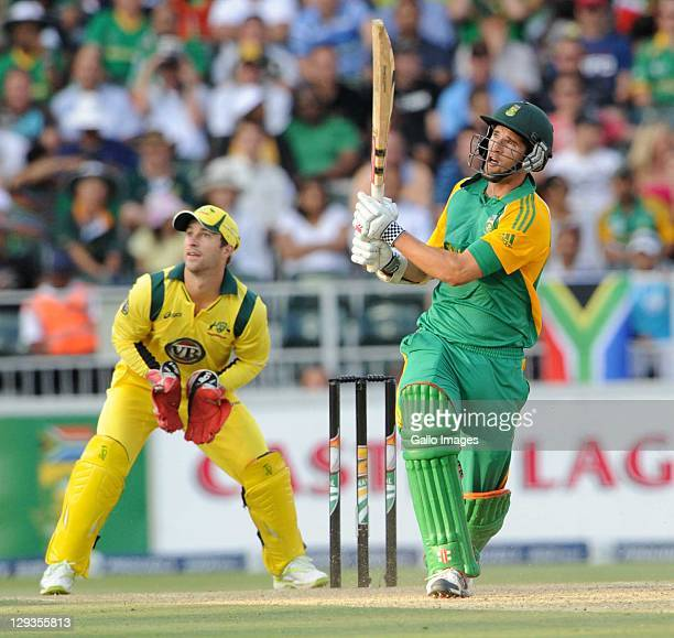 Wayne Parnell of South Africa watches his shot during the second Twenty20 international match between South Africa and Australia at Bidvest Wanderers...