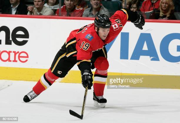 Wayne Primeau of the Calgary Flames skates against the Columbus Blue Jackets on March 4 2008 at Pengrowth Saddledome in Calgary Alberta Canada The...