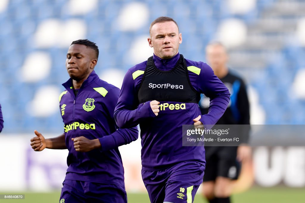 Wayne Rooney and Ademola Lookman during an Everton training session on the eve of their UEFA Europa League group E match against Atalanta, at Mapei Stadium on September 13, 2017 in Reggio nell'Emilia, Italy.