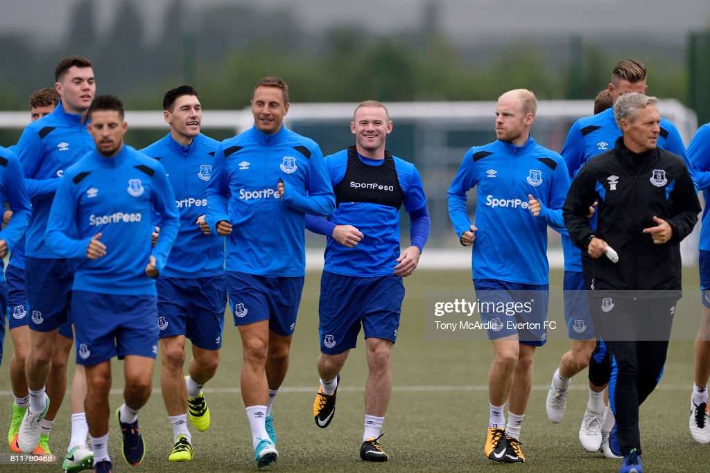 Wayne Rooney (C) during the Everton training session at USM Finch Farm on July 10, 2017 in Halewood, England.
