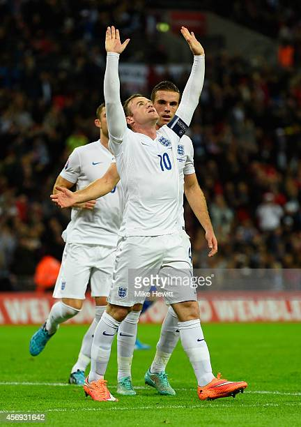Wayne Rooney of England celebrates as he scores their second goal from the penalty spot during the EURO 2016 Group E Qualifying match between England...