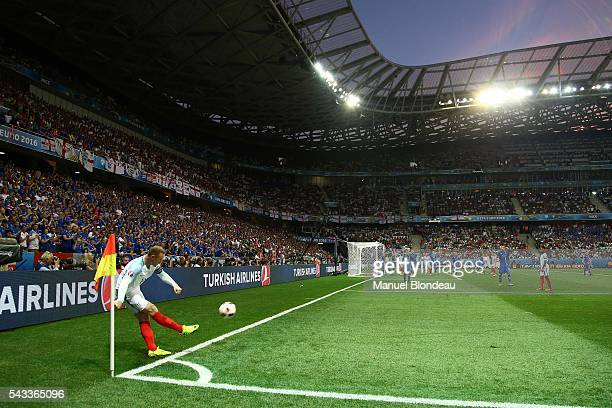 Wayne Rooney of England during the European Championship match Round of 16 between England and Iceland at Allianz Riviera Stadium on June 27 2016 in...