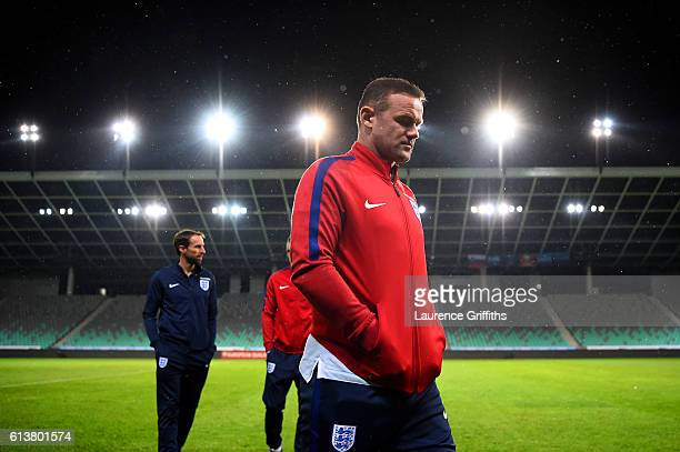 Wayne Rooney of England Interim Manager Gareth Southgate and Jamie Vardy take a tour of the stadium before an England press conference ahead of the...