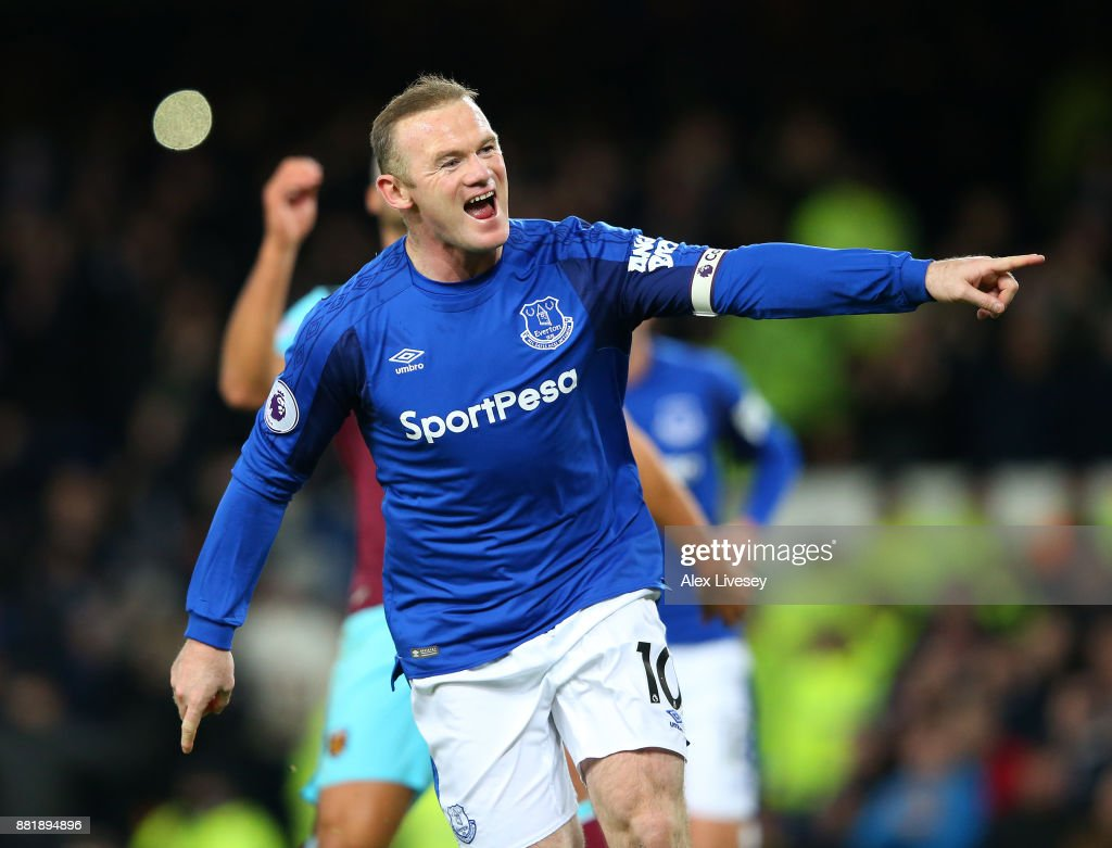 Wayne Rooney of Everton celebrates after scoring his sides first goal during the Premier League match between Everton and West Ham United at Goodison Park on November 29, 2017 in Liverpool, England.