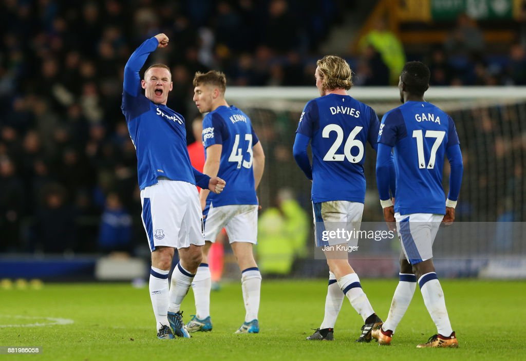 Wayne Rooney of Everton celebrates after scoring his sides third goal during the Premier League match between Everton and West Ham United at Goodison Park on November 29, 2017 in Liverpool, England.