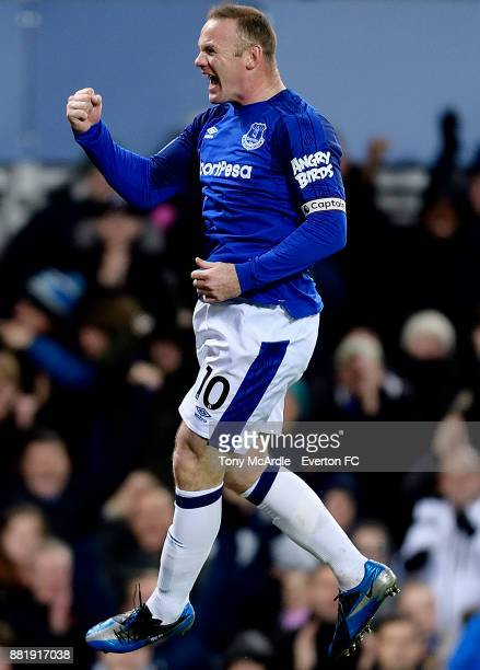 Wayne Rooney of Everton celebrates his first goal during the Premier League match between Everton and West Ham United at Goodison Park on November 29...