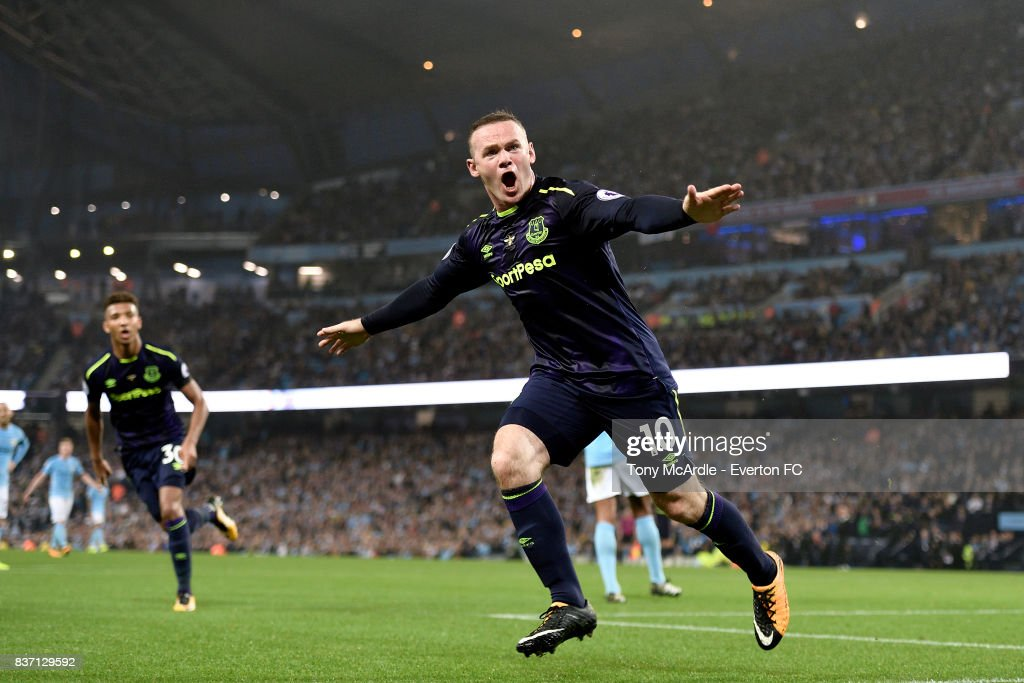 Wayne Rooney of Everton celebrates his goal during the Premier League match between Manchester City and Everton at Etihad Stadium on August 21, 2017 in Manchester, England.