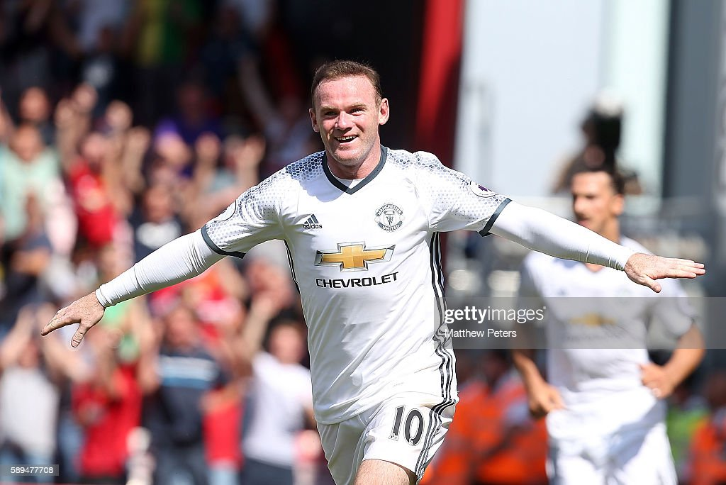 Wayne Rooney of Manchester United celebrates scoring the second goal to make the score 0-2 during the Premier League match between AFC Bournemouth and Manchester United at Vitality Stadium on August 14, 2016 in Bournemouth, England.
