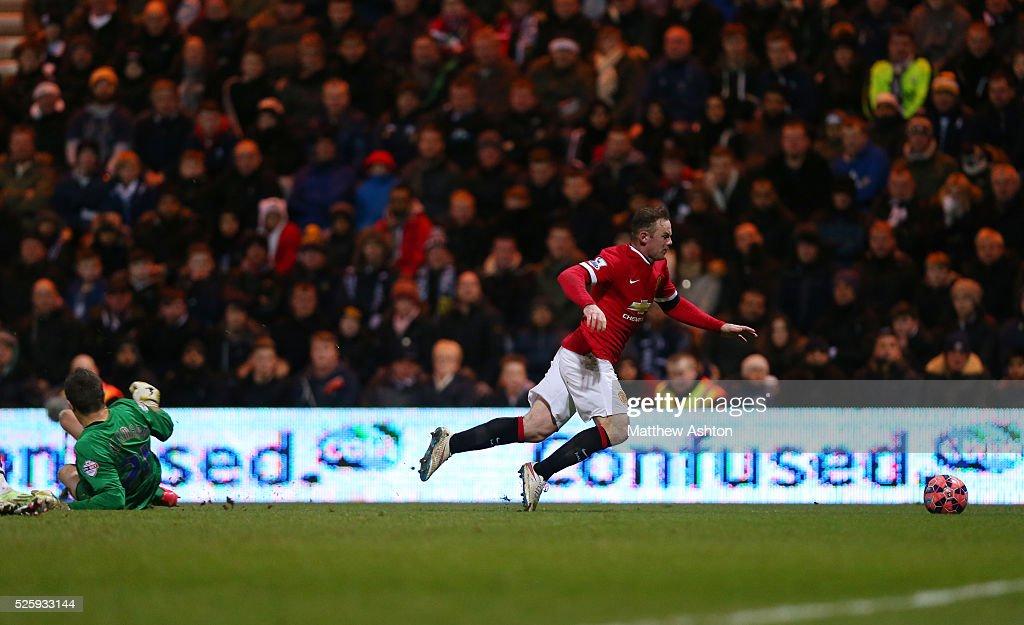 SOCCER : FA Cup Round Five - Preston North End v Manchester United : News Photo