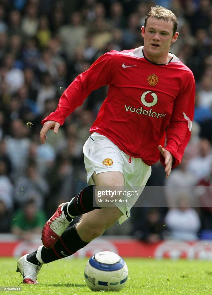 Wayne Rooney of Manchester United in action on the ball during the Barclays Premiership match between Tottenham Hotspur and Manchester United at White Hart Lane on April 17 2006 in London, England.
