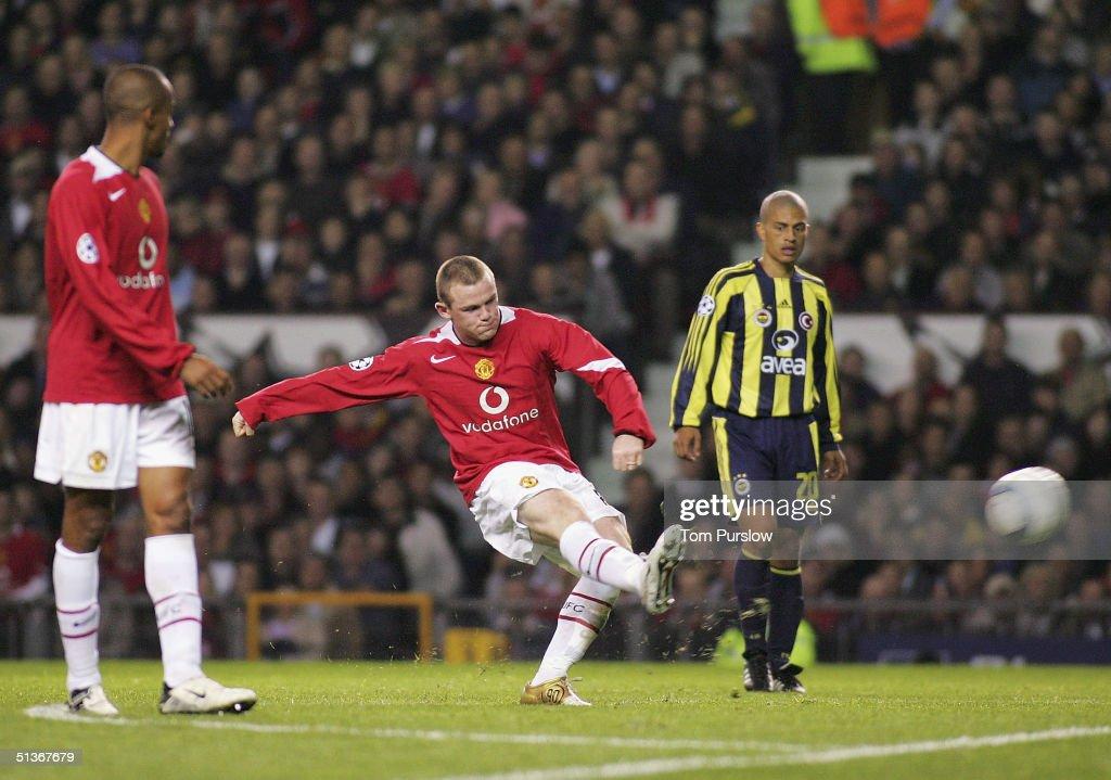 Manchester United v Fenerbahce : News Photo