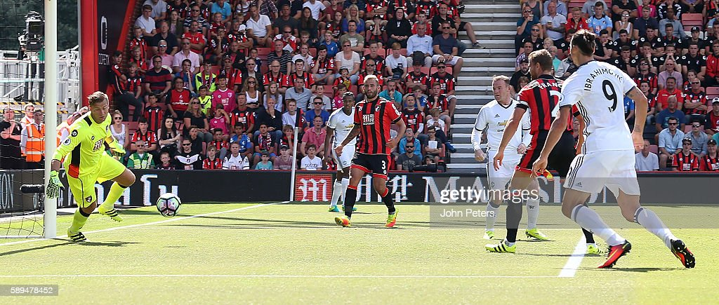 Wayne Rooney of Manchester United scores the second goal to make the score 0-2 during the Premier League match between AFC Bournemouth and Manchester United at Vitality Stadium on August 14, 2016 in Bournemouth, England.