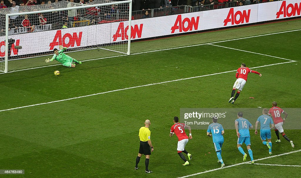 Wayne Rooney of Manchester United scores their first goal during the Barclays Premier League match between Manchester United and Sunderland at Old Trafford on February 28, 2015 in Manchester, England.