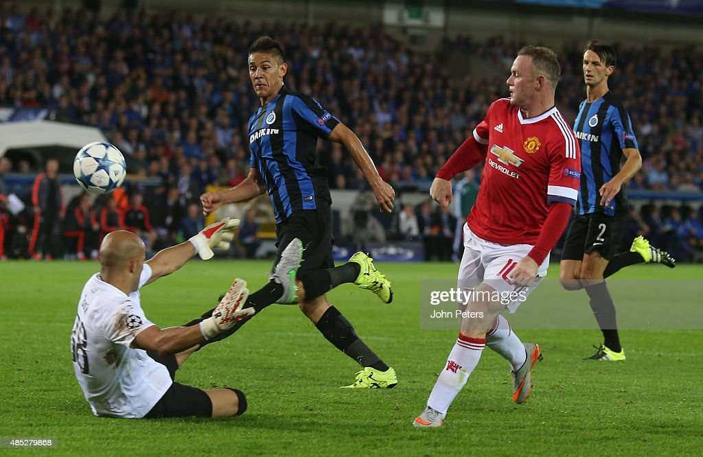 Wayne Rooney of Manchester United scores their second goal during the UEFA Champions League play-off second leg match between Club Brugge and Manchester United at Jan Breydel Stadium on August 26, 2015 in Brugge, Belgium.