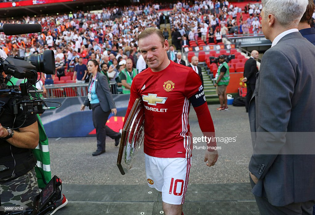 Wayne Rooney of Manchester United with FA Community shield trophy after the FA Community Shield Match between Leicester City and Manchester United at Wembley Stadium Stadium on August 07 , 2016 in Leicester, United Kingdom.