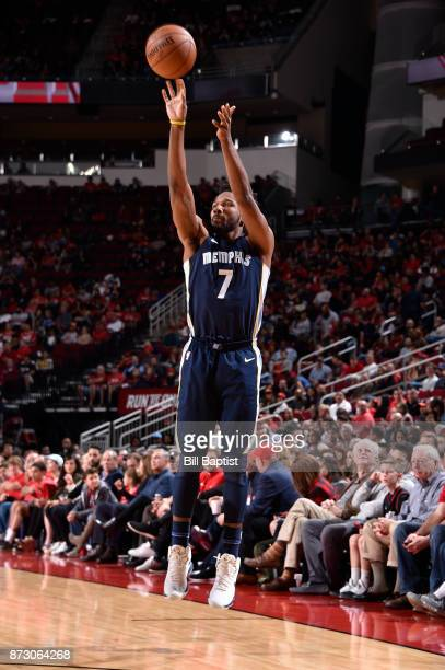 Wayne Selden of the Memphis Grizzlies shoots the ball during the game against the Houston Rockets on November 11 2017 at the Toyota Center in Houston...
