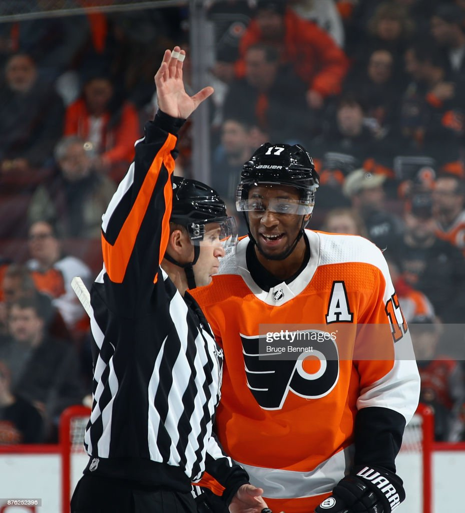 Wayne Simmonds #17 of the Philadelphia Flyers argues a call during the game against the Calgary Flames at the Wells Fargo Center on November 18, 2017 in Philadelphia, Pennsylvania. The Flames defeated the Flyers 5-4 in overtime.