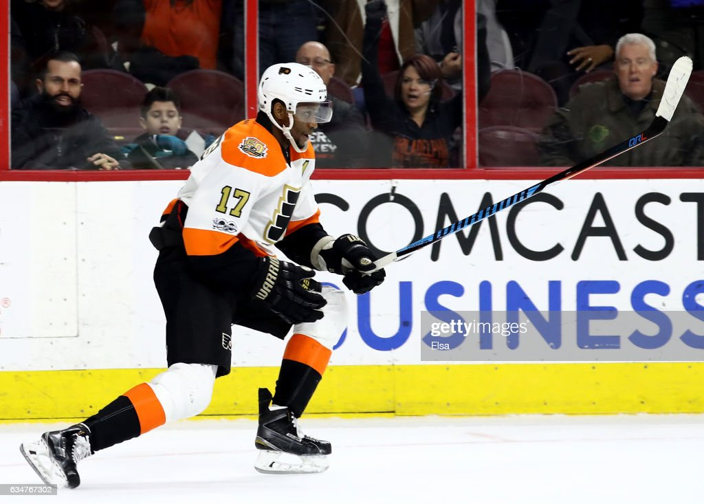 Wayne Simmonds #17 of the Philadelphia Flyers celebrates his game winning goal in overtime against the San Jose Sharks on February 11, 2017 at Wells Fargo Center in Philadelphia, Pennsylvania.The Philadelphia Flyers defeated the San Jose Sharks 2-1 in overtime.