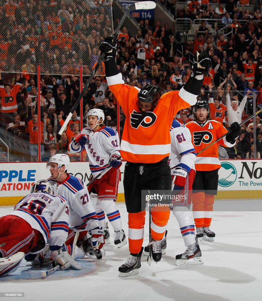 Wayne Simmonds #17 of the Philadelphia Flyers celebrates his powerplay goal at 17:53 of the second period against the New York Rangers at the Wells Fargo Center on March 26, 2013 in Philadelphia, Pennsylvania.