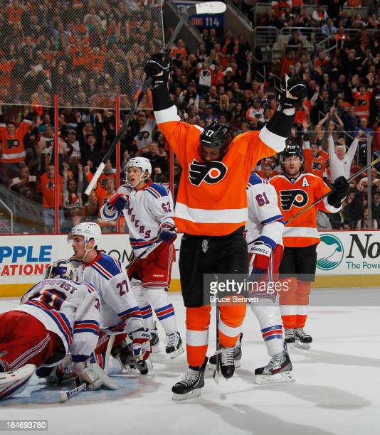 Wayne Simmonds of the Philadelphia Flyers celebrates his powerplay goal at 1753 of the second period against the New York Rangers at the Wells Fargo...