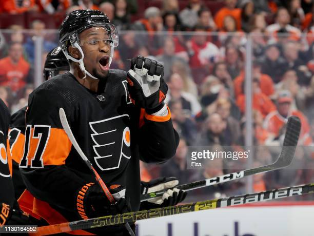Wayne Simmonds of the Philadelphia Flyers directs his teammates in the third period against the Detroit Red Wings at Wells Fargo Center on February...