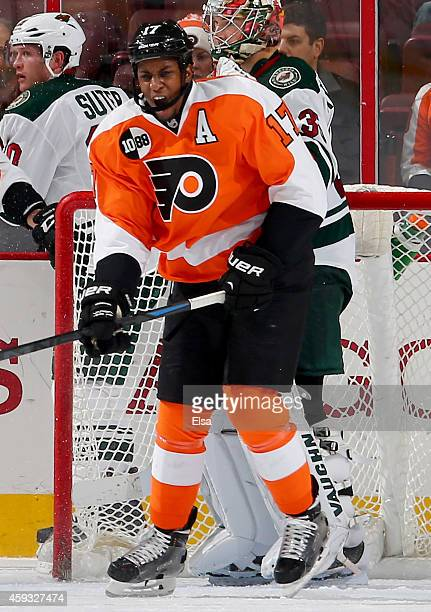 Wayne Simmonds of the Philadelphia Flyers reacts to the loss against the Minnesota Wild on November 20 2014 at the Wells Fargo Center in Philadelphia...